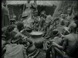 679817203-strohhalm-britisch-ostafrika-stamm-volksgruppe-kolonialzeit