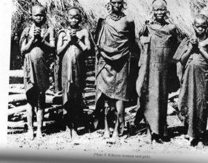 kikuyu-women-and-girls-photo-by-southern-kikuyu-before-1903